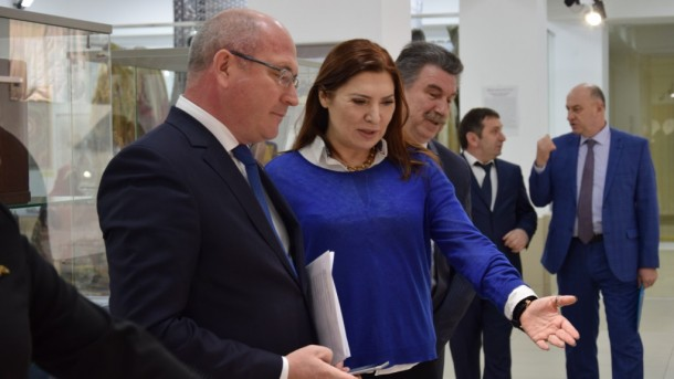 Встреча директоров Домов Дружбы народов двух республик Ирека Шарипова и Аиды Алиевой